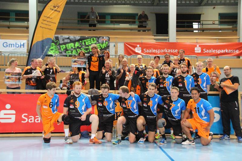 Team- und Fanfoto nach den Spiel in Spergau am 01.10.2016